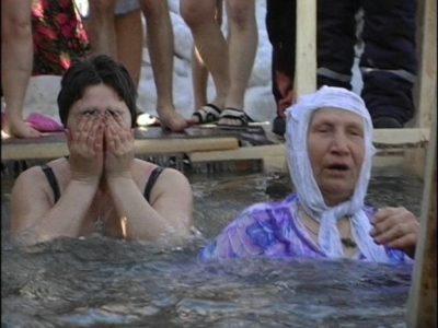 Когда можно набирать воду на Крещение