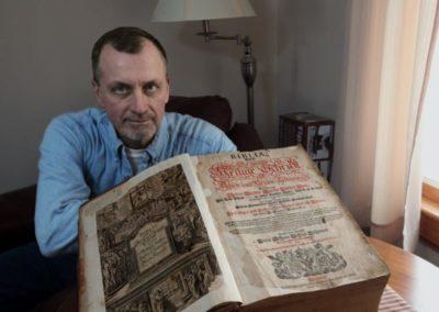 В каком году была написана первая Библия